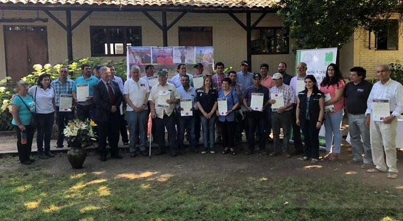 Gobierno chileno entrega bonos riego beneficio 800 familias agricultores Maule