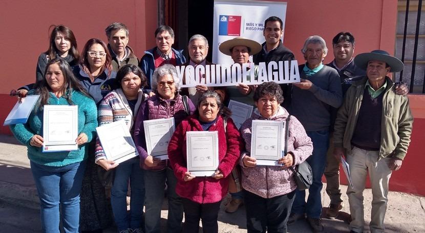 Pequeños agricultores Combarbalá, Chile, reciben bonificaciones través Ley Riego