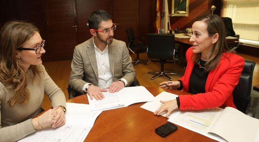 La conselleira de Medio Ambiente, Territorio e Infraestructuras mantuvo una reunión con el alcalde de Porto do Son.