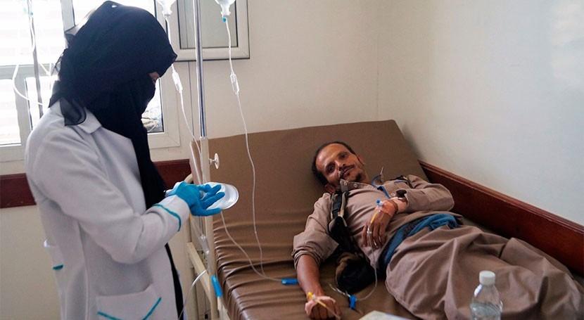 cólera y hambruna devastan población Yemen