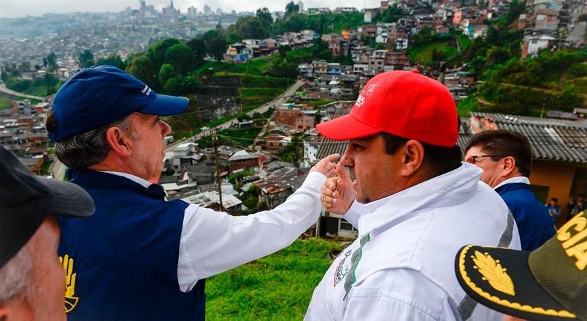 lluvias dejan al menos 16 muertos debido deslizamientos Manizales, Colombia