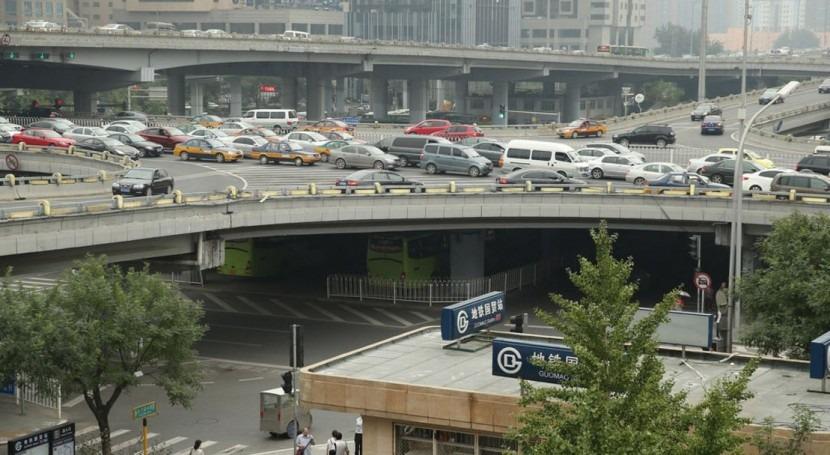 Pekín cerrará 2.500 pequeñas empresas contaminantes 2016