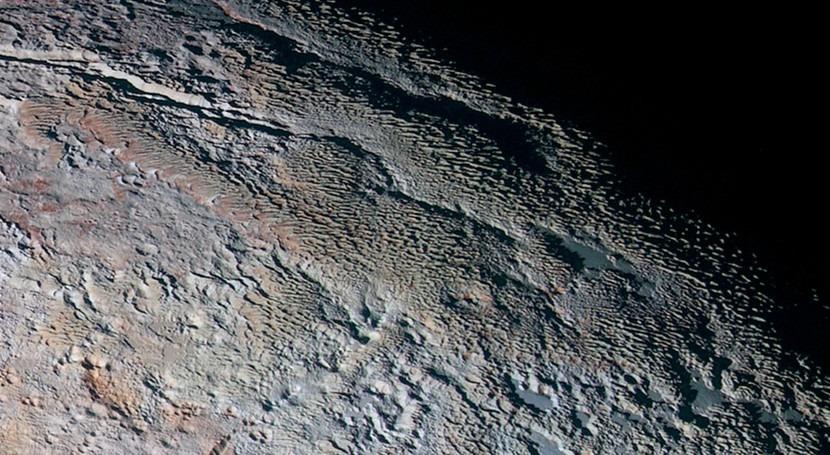 Identificadas Plutón crestas hielo solo vistas Tierra