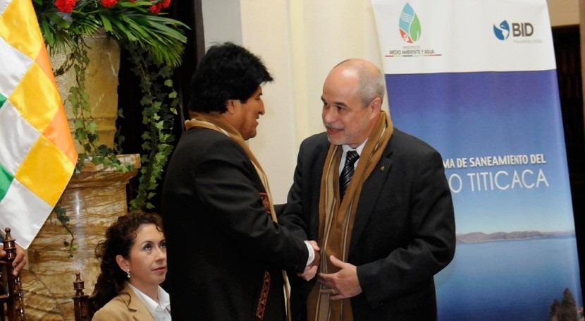 Bolivia invertirá 77,3 millones dólares descontaminación lago Titicaca