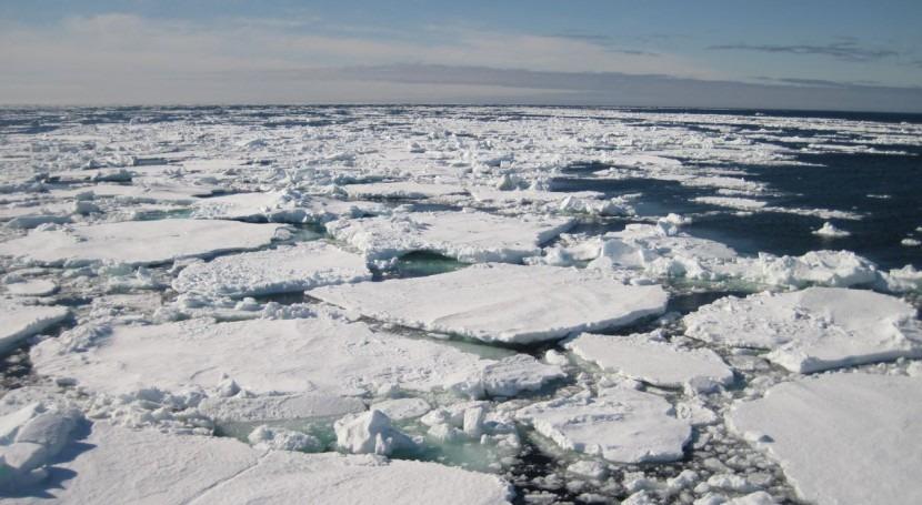 descarga glaciar ambos polos se extiende fuera meses verano