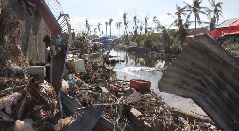 Destrucción causada en Tacloban, Filipinas, por el tifón Haiyan (Foto: OCHA/Gemma Cortes)