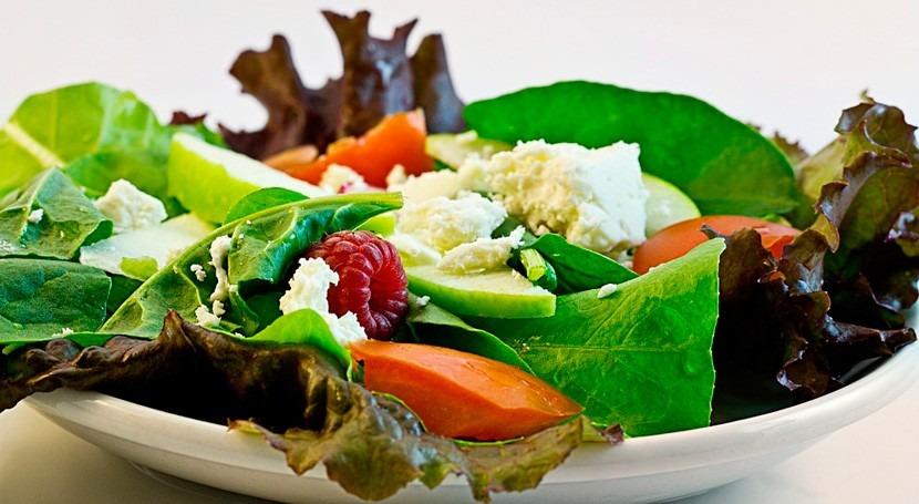 dieta mediterránea vegetariana reduciría huella hídrica 50%