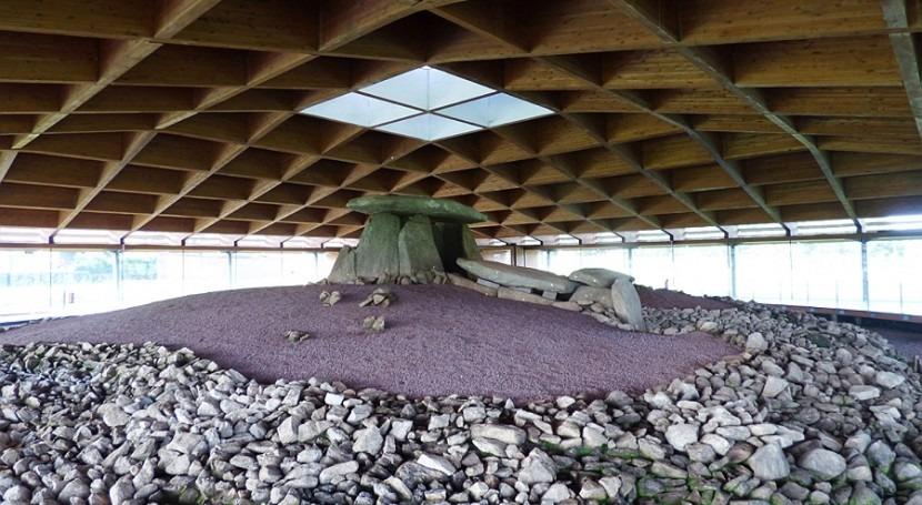 conservación ambiental Dolmen Dombate, mayor santuario neolítico gallego, peligro