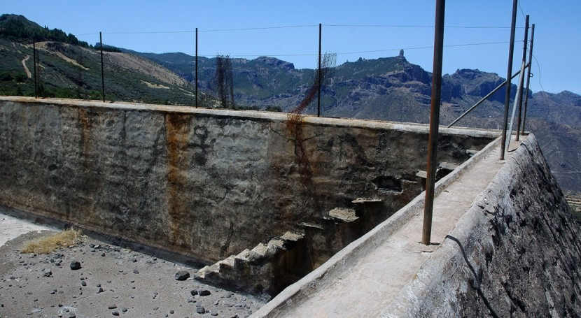Camino Santiago Gran Canaria: Naturaleza, cruces y obras hidráulicas