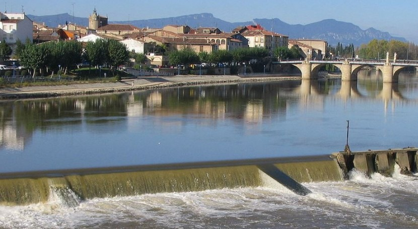 El Ebro a su paso por Miranda de Ebro (Wikipedia/CC).