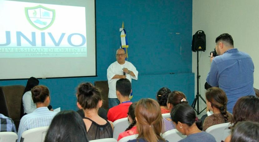¿ qué es importante aprobar ley aguas Salvador?