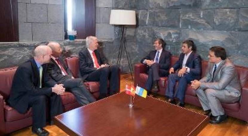 Dinamarca se interesa experiencia Canarias materia agua y eficiencia energética