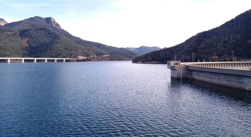 embalses cuencas internas Cataluña, estables durante primera mitad invierno