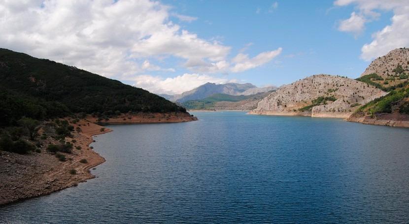 Nevadas durante todo invierno podrían recuperar reserva agua embalsada España