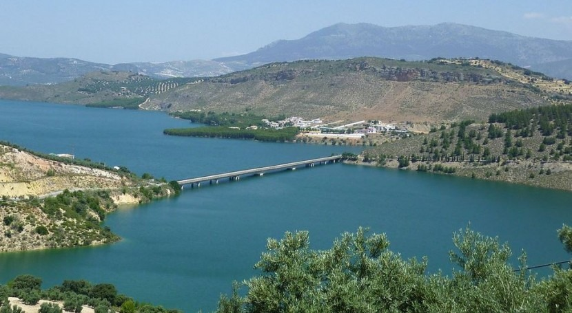 Embalse de Iznájar (Wikipedia/CC).