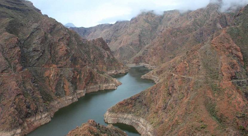 Comisión pone espera expedientes sancionadores planes hidrológicos Canarias