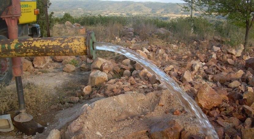 CHE licita asistencia apoyo expedientes aprovechamientos aguas subterráneas