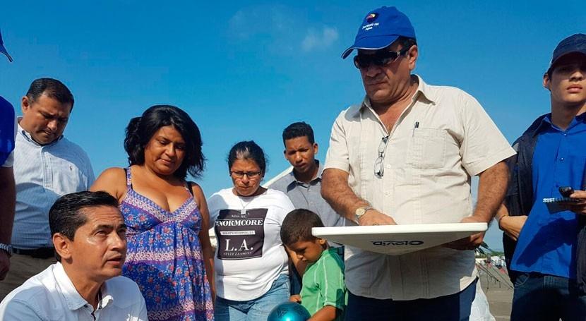 Senagua hace entrega planta purificadora agua Manabí