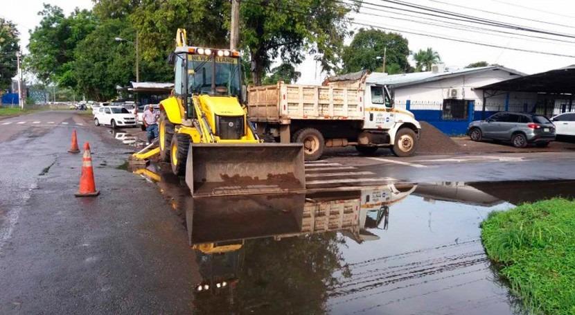 equipo drenajes trabaja David, Panamá, evitar inundaciones