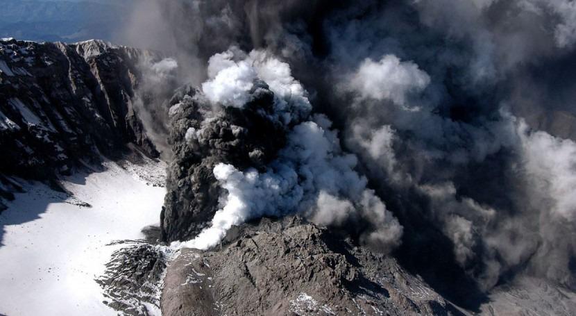 ¿Cómo afectan erupciones volcánicas al caudal mayores ríos mundo?