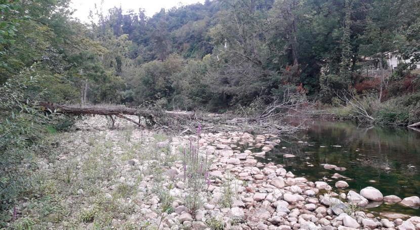 CHC y Ayuntamiento Laviana firman acuerdo conservación ríos