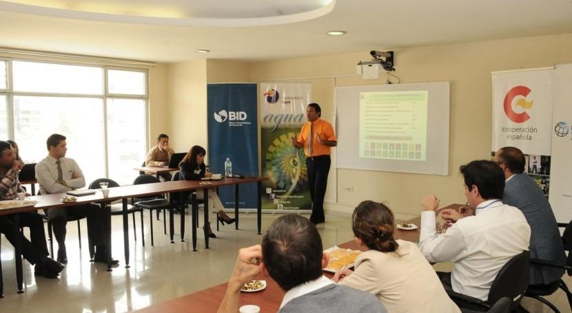 Senagua presenta Estrategia Nacional Agua Potable y Saneamiento