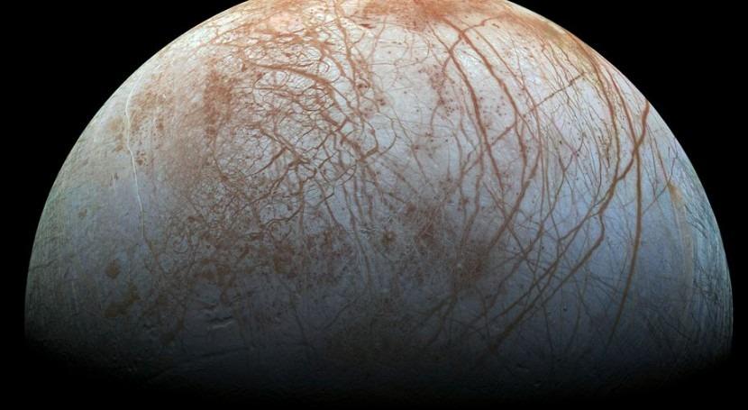 Cuchillas gigantes hielo complican posible aterrizajes luna Europa