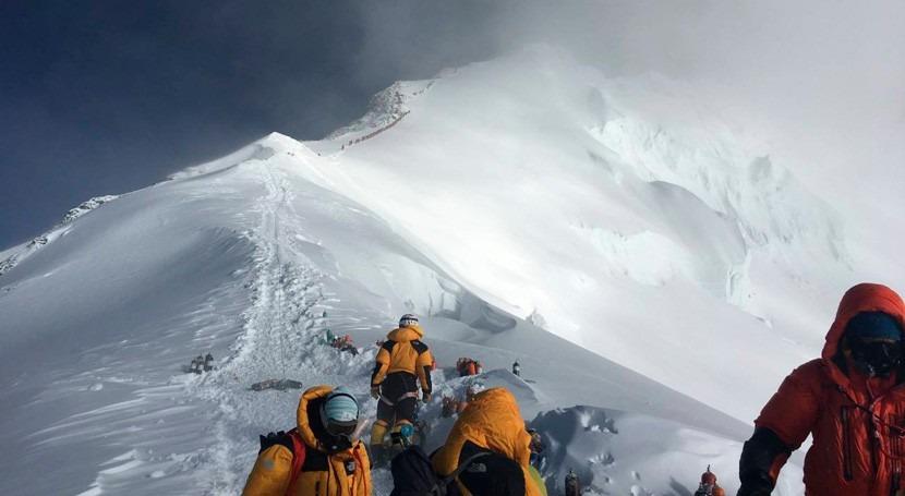 Calor, deshielo y microplásticos: lo que revela mayor expedición realizada Everest