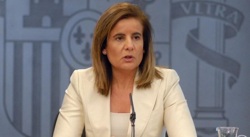 ministra Fátima Báñez realiza precampaña punto negro robo agua Doñana