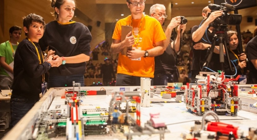 15.000 jóvenes españoles investigan ciclo humano agua programa FIRST LEGO LEAGUE