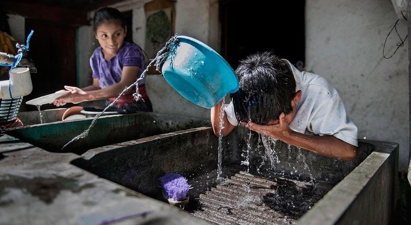 España lleva agua y saneamiento 3 millones personas América Latina y Caribe