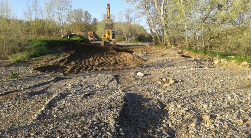 CHE inicia reparación erosiones mota aguas abajo Boquiñeni (Zaragoza)