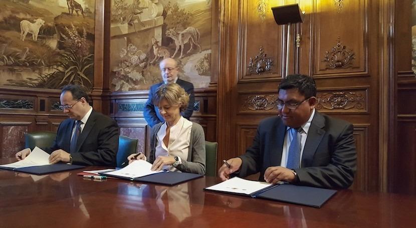 España y Bolivia suscriben Memorando cooperación materia seguridad presas