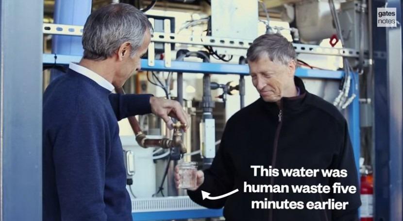 Bill Gates explica Ominiprocesor, máquina que transforma residuos agua y electricidad