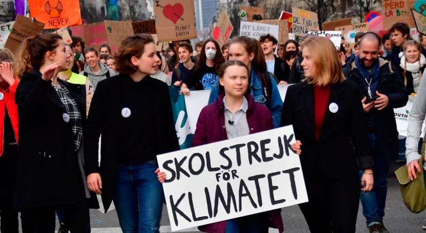 Jóvenes españoles convocarán concentraciones 43 ciudades huelga mundial clima