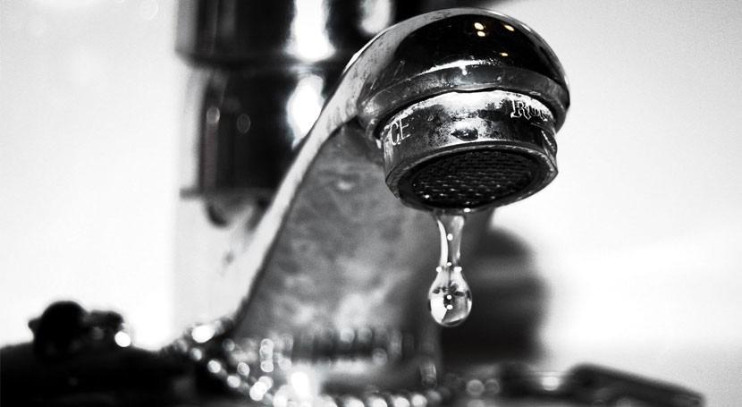 ahorro agua se podría incrementar significativamente si se considerara gasto energético