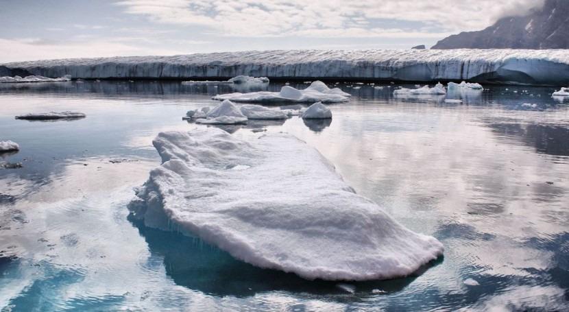 ¿Es capaz firn retener agua deshielo Groenlandia?