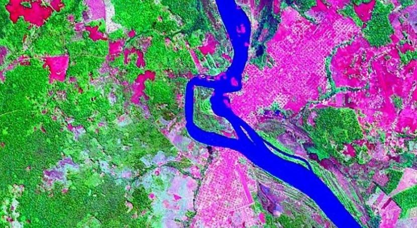 Imagen satelital de la mancha urbana de Guayaramerín ubicado al sur del río Mamoré (wikipedia/CC)