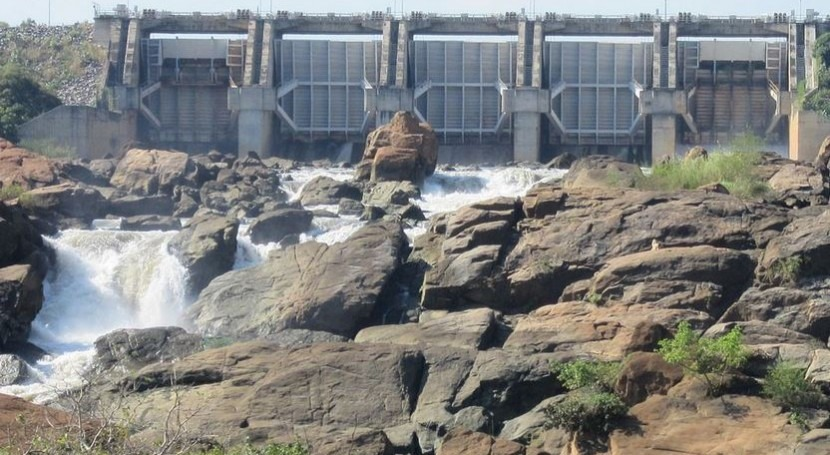 Central hidroeléctrica (Wikipedia/CC).
