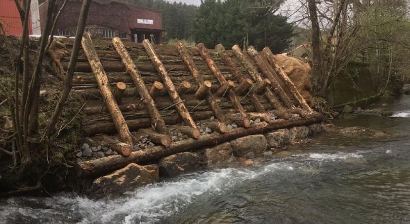 URA restaura tramo ribera río Mañaria Izurtza