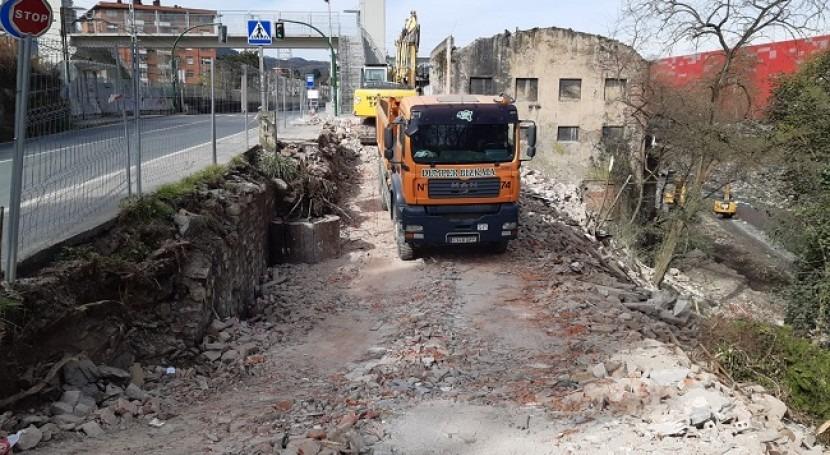 URA demuele viviendas Zaratamo y Galdakao dentro III fase obras inundaciones