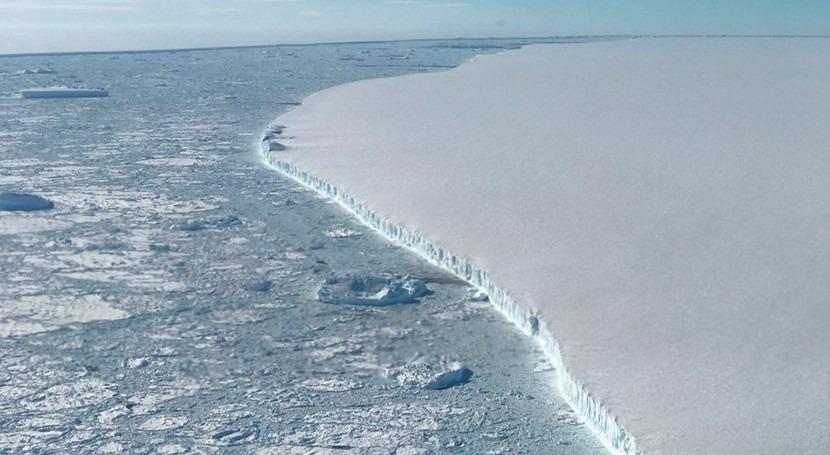 iceberg A68 cumple dos años moviéndose norte