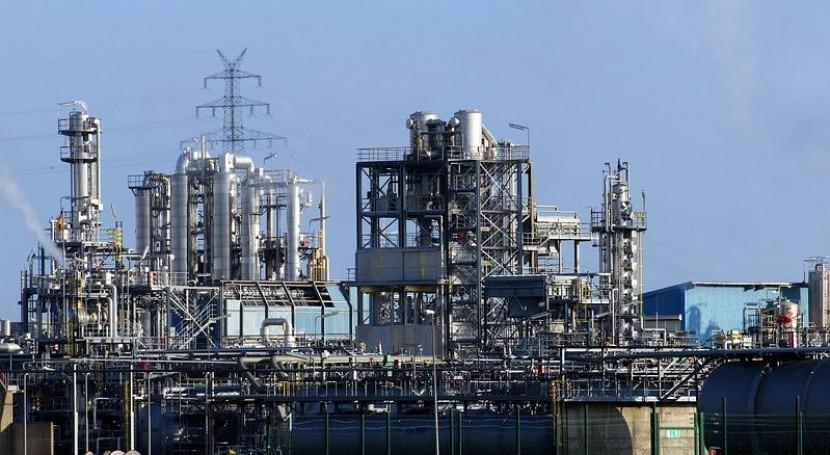 Uso aguas servidas tratamiento refinerías