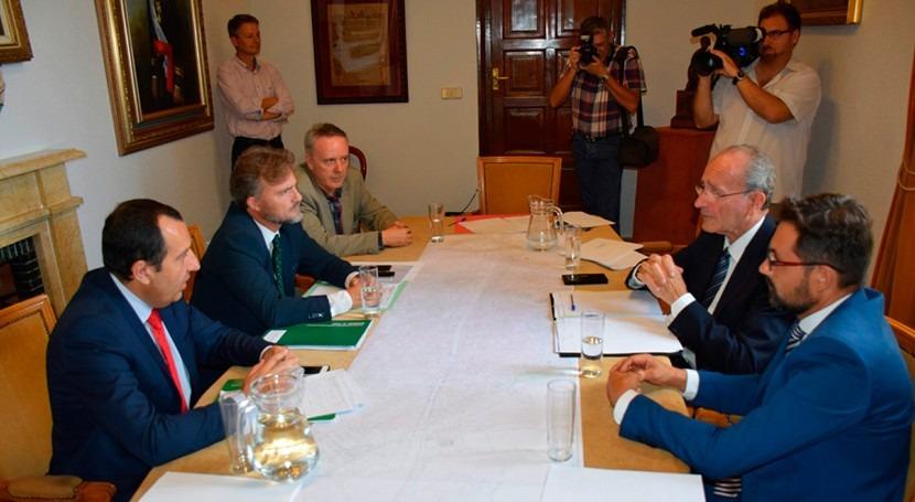 Andalucía suscribe protocolo intenciones integración río Guadalmedina Málaga