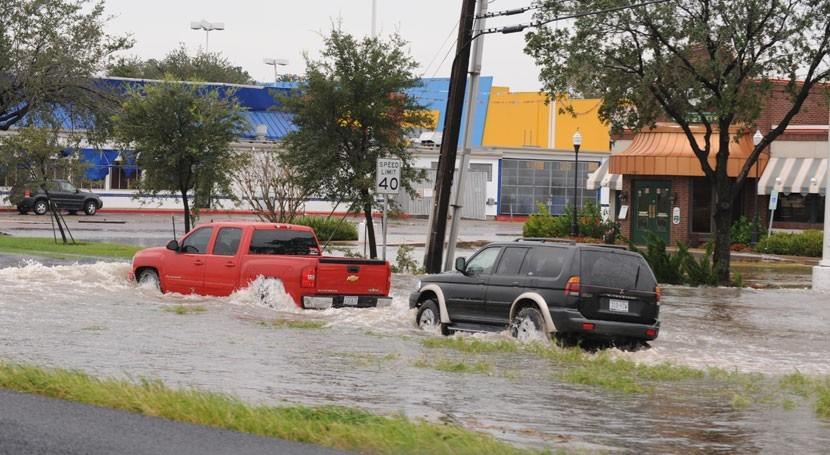 inundaciones paralizan Houston, cuarta ciudad más grande Estados Unidos