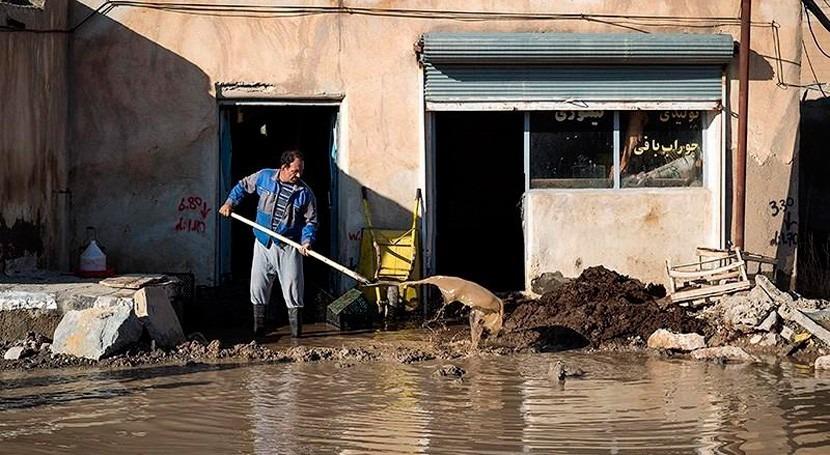 lluvias y inundaciones provocan decenas miles evacuados oeste Irán