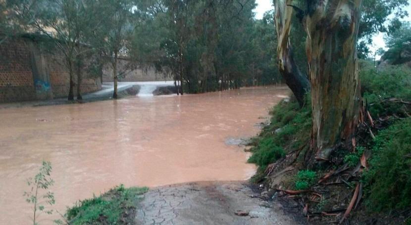 Muere Alcázares hombre arrastrado fuerte corriente agua debido lluvias