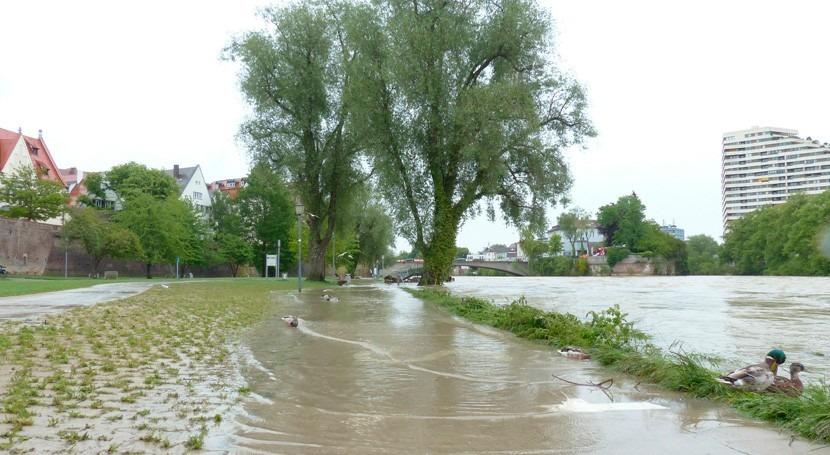 ¿Cómo contrastar redes sociales lo que no dicen mapas riesgo inundación?