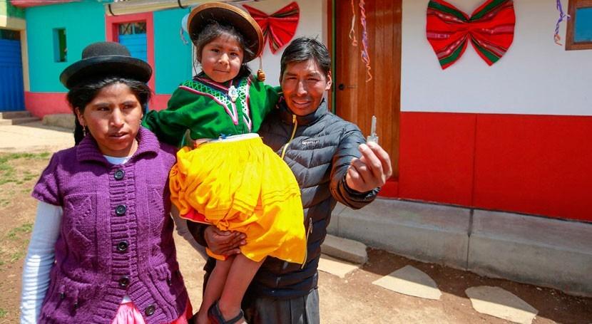 Perú se propone destinar 2.700 millones dólares agua, saneamiento y viviendas 2018