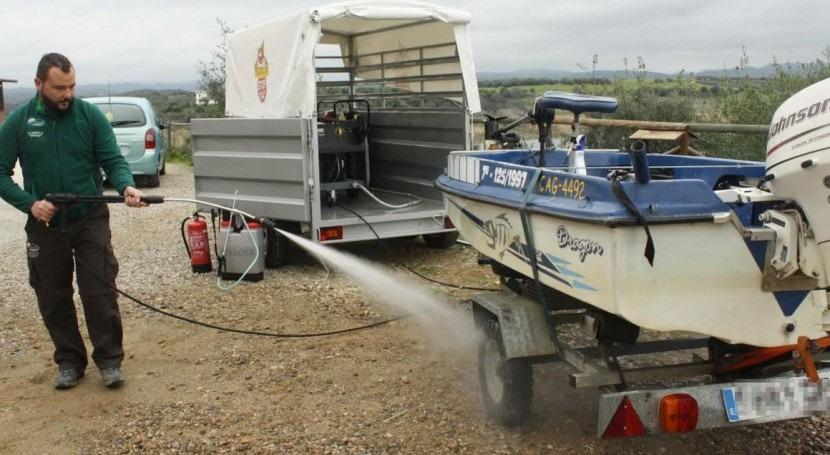 cuenca Guadalquivir estrena primera estación móvil desinfección mejillón cebra